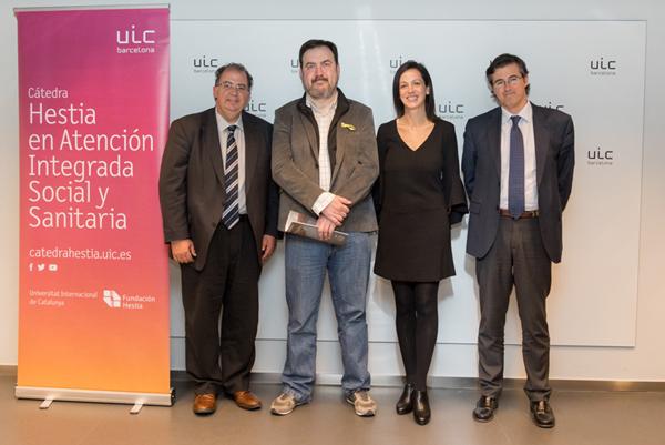 El Dr.Francesc Colom recollint el Premi